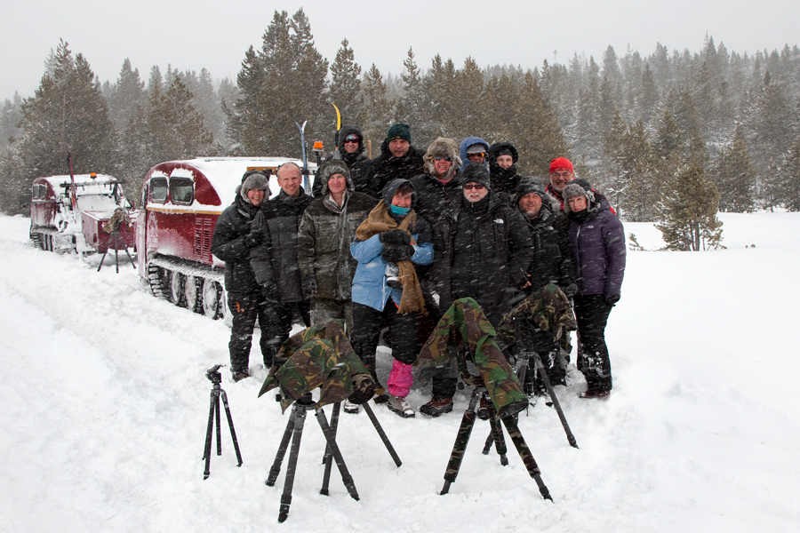 IA_6607b-picture-of-the-group-with-snowcoach-900x600